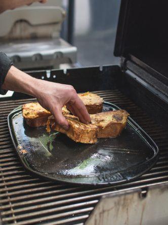 Brioche perdue au barbecue - recette