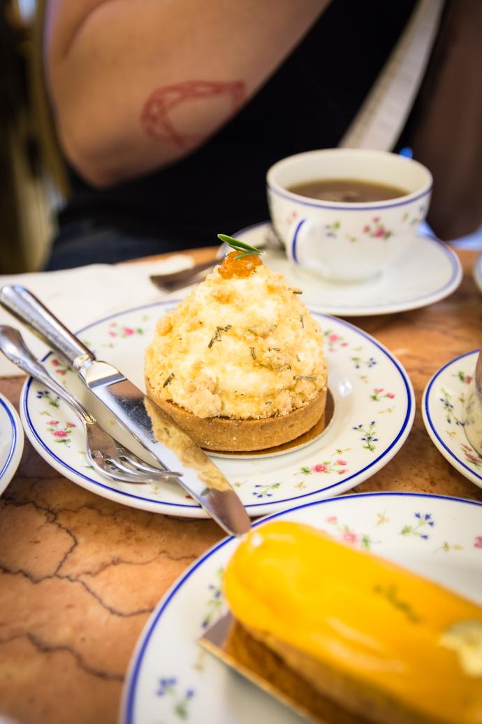 Le Roussillon - dessert à l'abricot de la Pâtisserie Carette