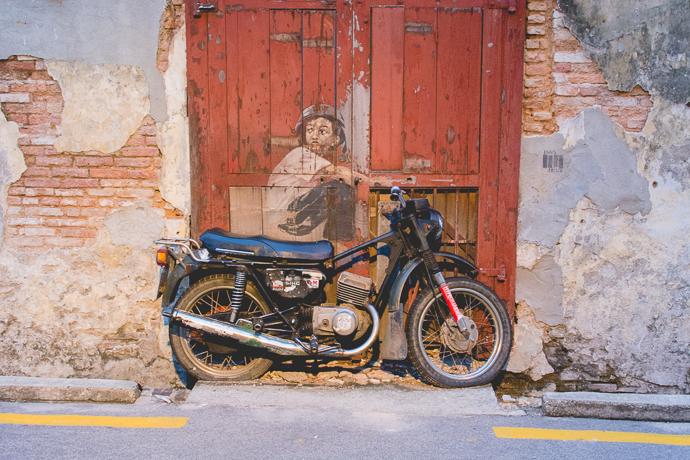 Jeune homme sur mobylette, Penang, Malaisie