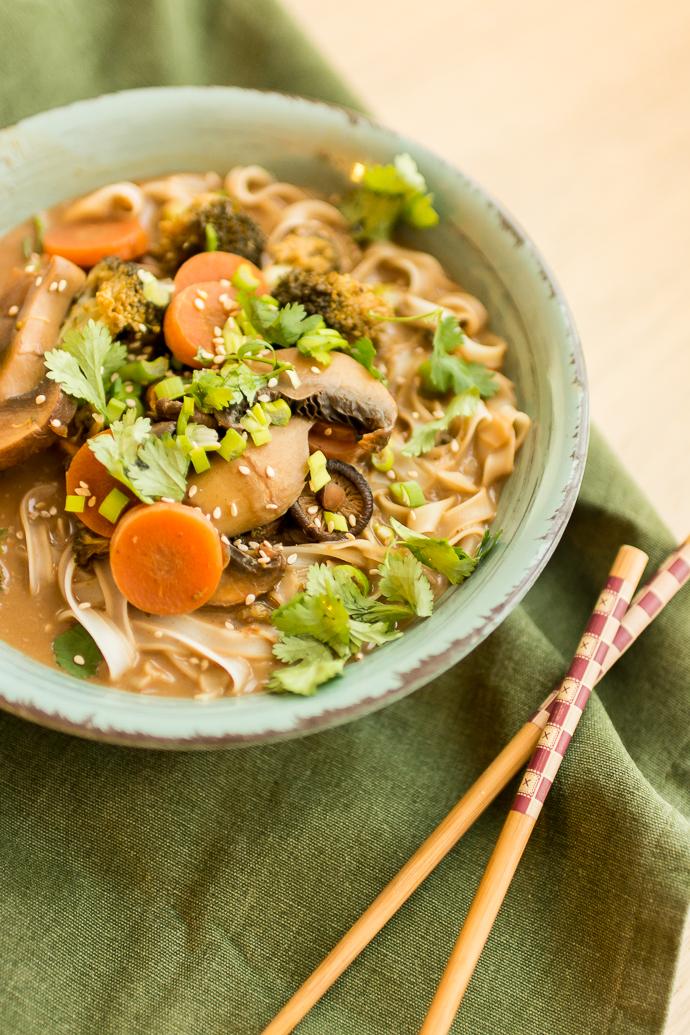Soupe de champignons, shiitakés et nouilles de riz