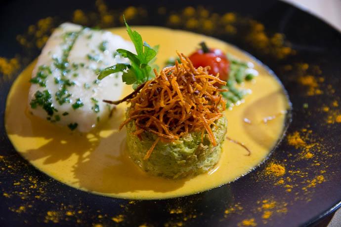 dos-cabillaud-mousseline-legumes-saison-creme-safranee