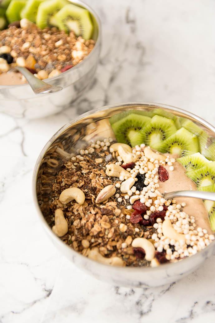 Recette de smoothie bowl  - idée de petit déjeuner healthy
