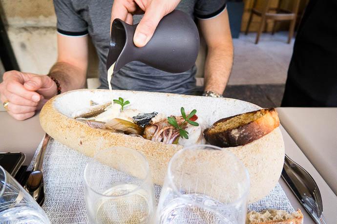 bourrade-gros-caillou-poisson-restaurant-gastronomique-fables-fontaine-julia-sedefdjian-geekette-cuisine
