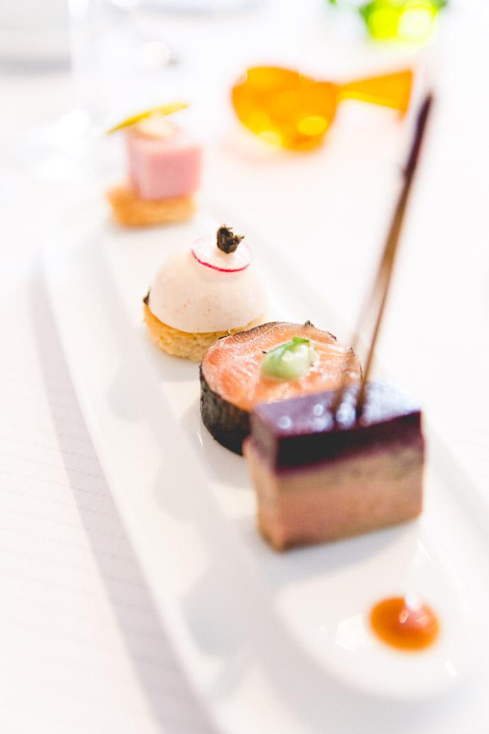 Une farandole de desserts en mignardises pour clôturer ce délicieux repas