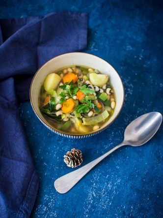 Un bol de soupe maison pour un hiver réconfortant