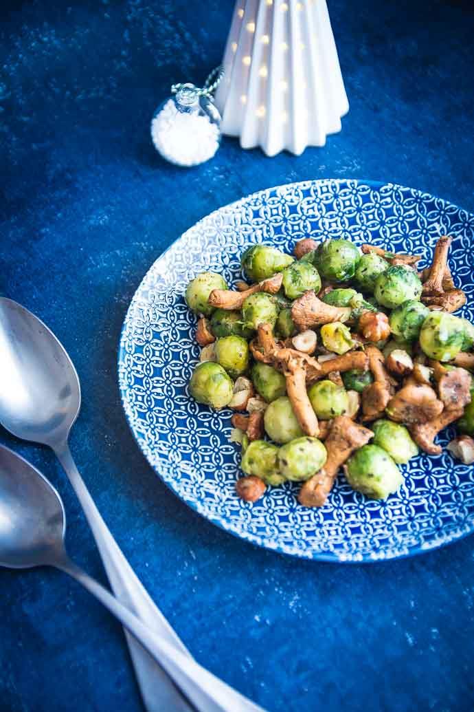 Poêlée de choux de Bruxelles, girolles et noisettes
