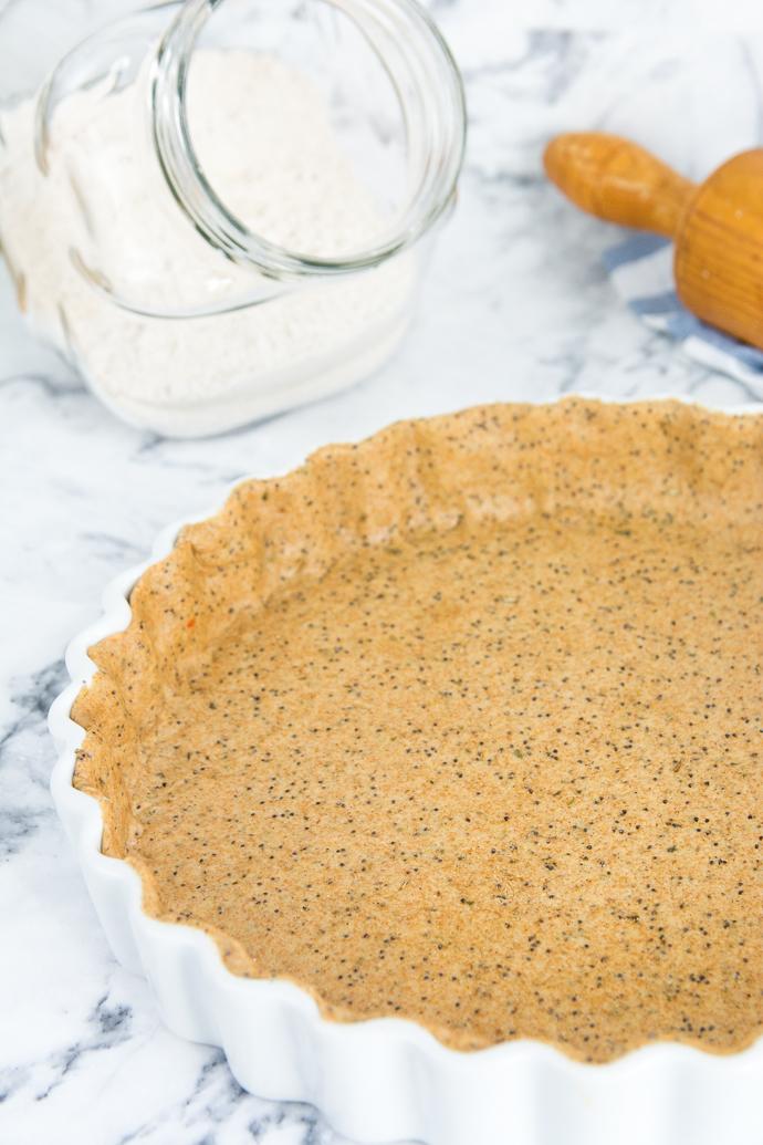 Ajoutez des graines de pavot à votre base de tarte salée pour une touche d'originalité