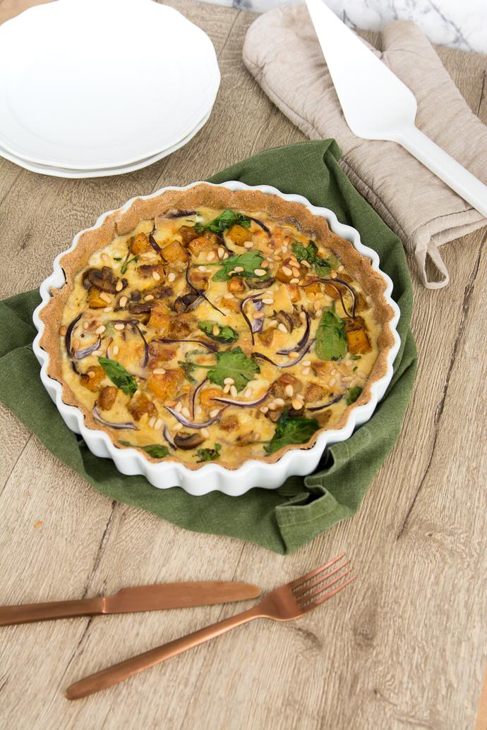 Butternut, épinards, pignons de pin et reblochon, des ingrédients économique pour une tarte aux légumes pas chère