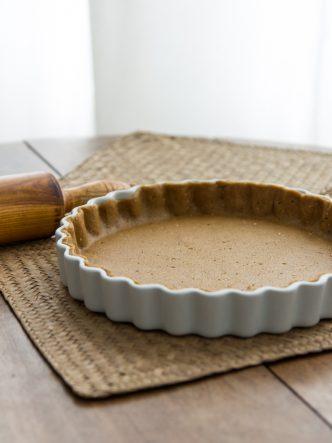 Recette facile à faire et pas chère d'une pâte à tarte vegan et à IG bas