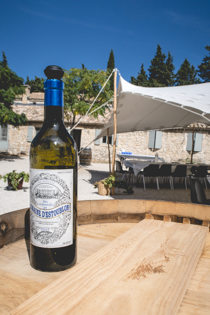 Chateau d'Estoublon - vin blanc biologique de la Vallée des Baux-de-Provence