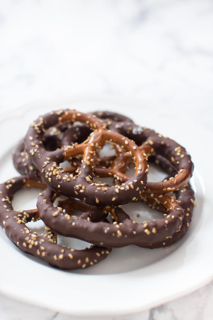 Cadeaux gourmand : recette des bretzels au chocolat noir et sel de Guérande