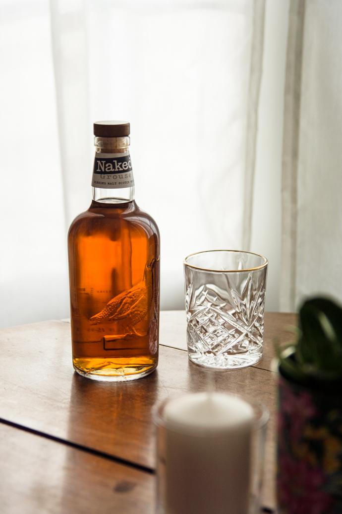 Naked Grouse - la 1ère bouteille de whisky sans étiquette et vieillit en fût neutre