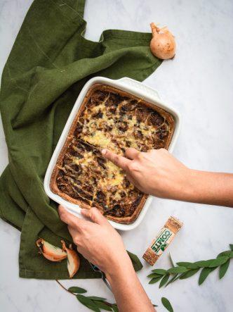 Recette facile et familiale de tarte à l'oignon et au Comté