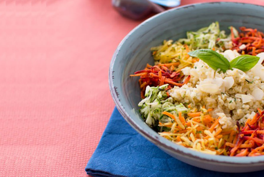 Recette de salade tiède à la courgette, quinoa et carottes