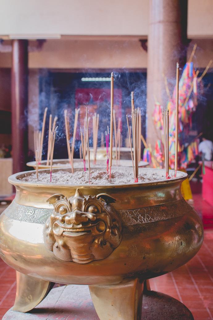 Encens de prière, Kek Lok Si Temple, Penang, Malaisie