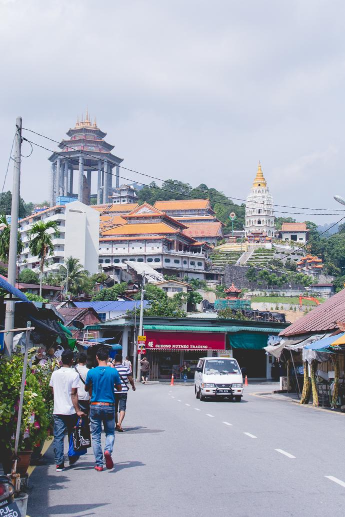 Galerie marchande avant d'arriver au Kek Lok Si Temple