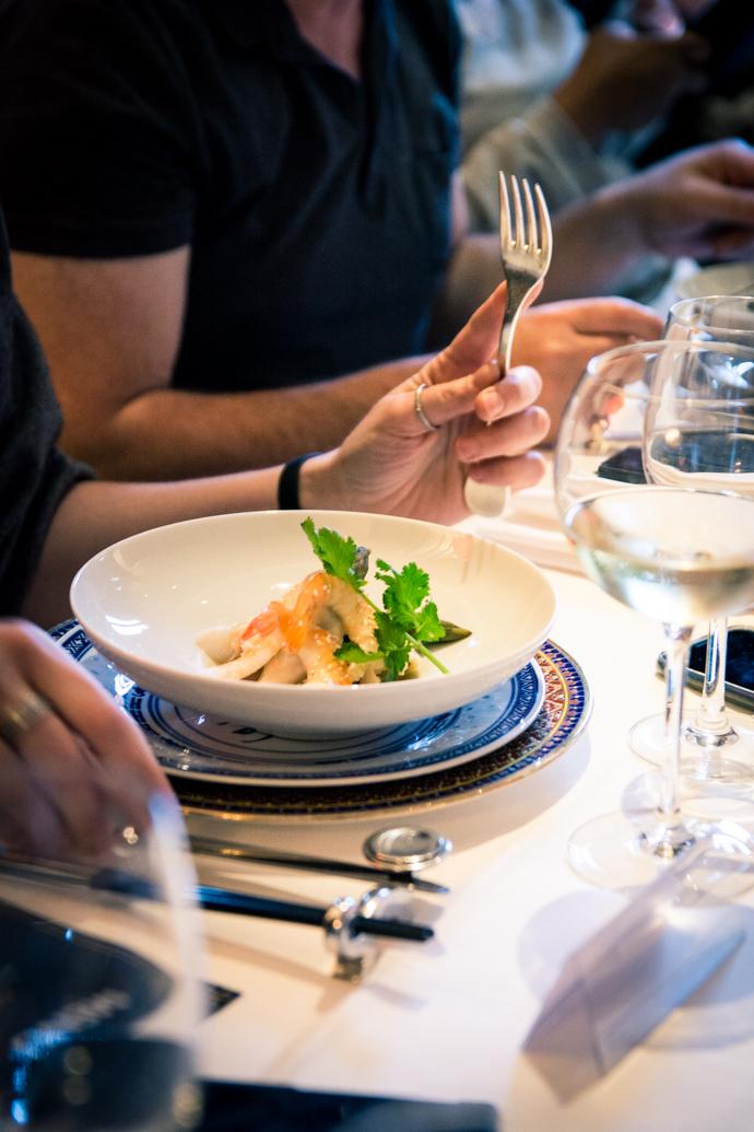 Crevettes & asperges en salade au restaurant Chez Ly à Paris