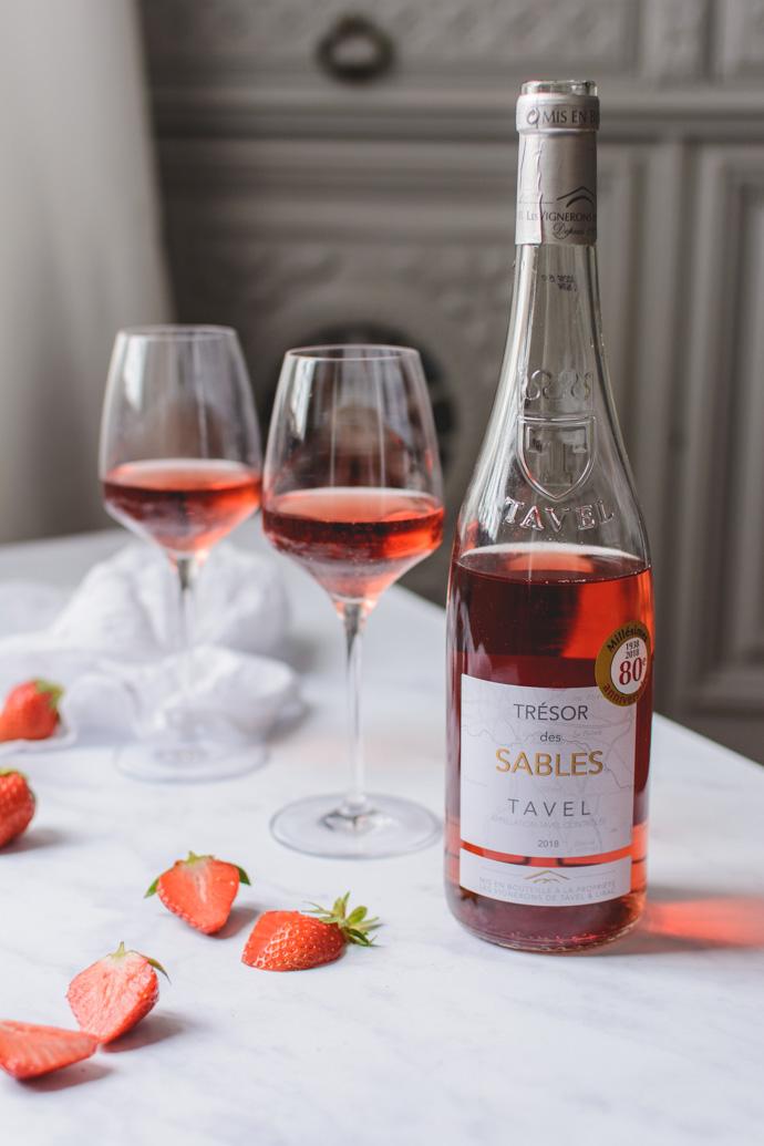 Un verre de Tavel & des fraises