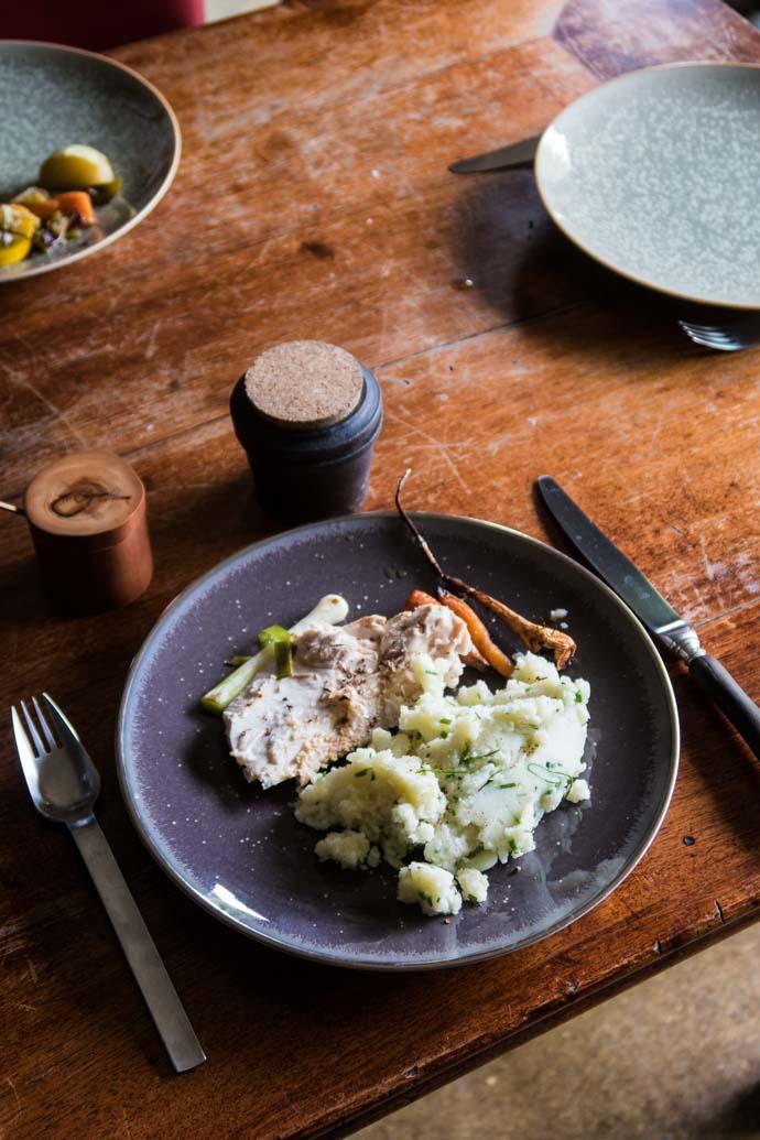 Le poulet du dimanche par Pourdebon et la Malle Trousseau