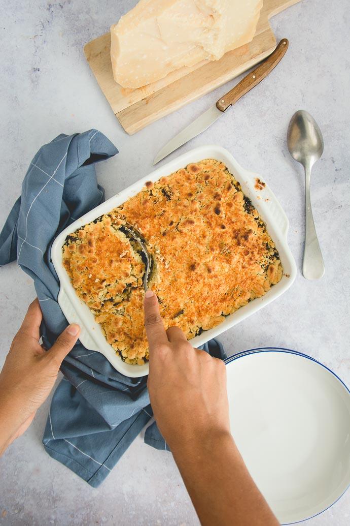 Une petite part de crumble de légumes et parmesan ?