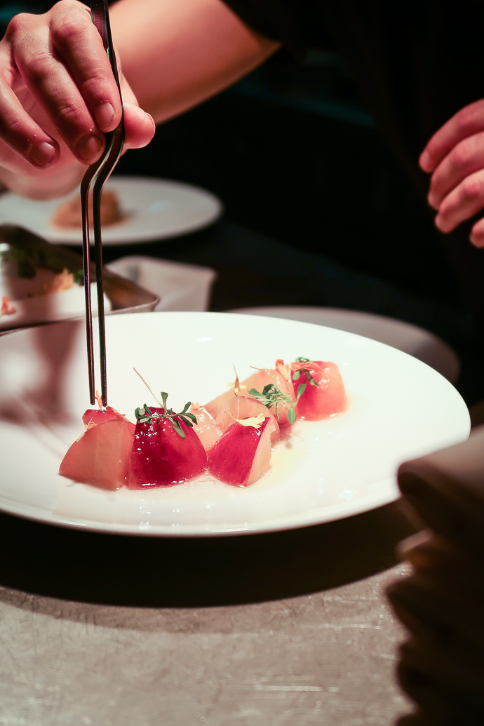 Restaurant Affinité - un dressage de l'assiette sous haute précision