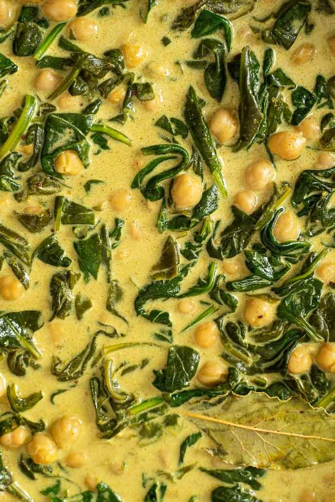 Curry de pois chiches, crème de coco et épinards - recette végan