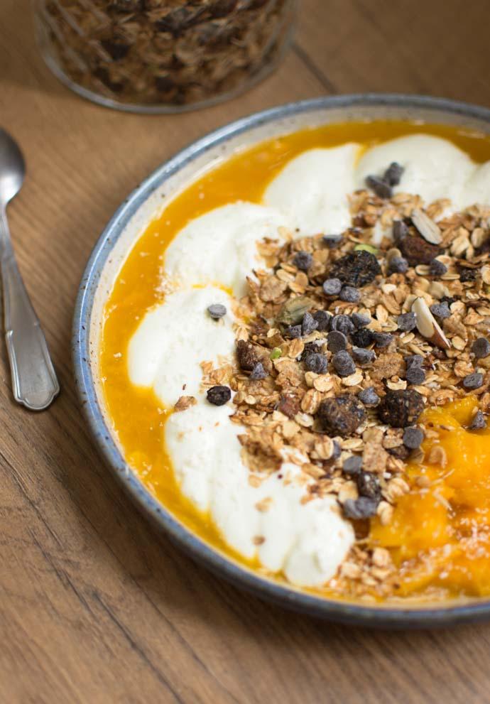 Granola aux fruits séchés et noix
