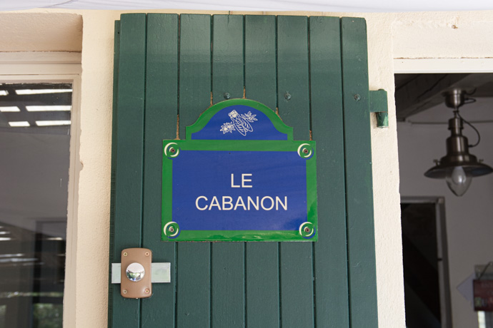 Découverte de Marseille en 48h - Pause déjeuner dans les Calanques de Sormiou, au cabanon