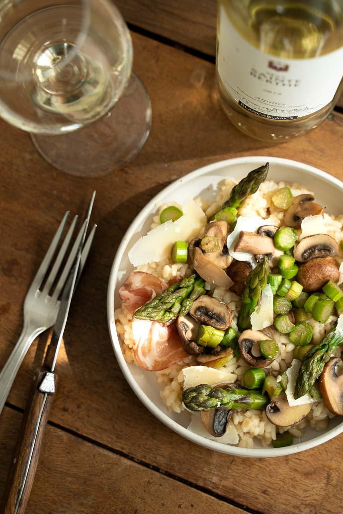 Risotto d'asperges, coppa et champignons