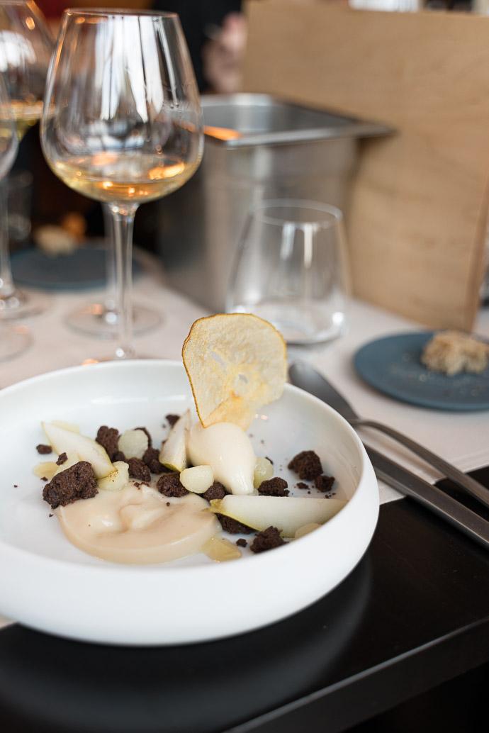 Restaurant le Bistronome à Arbois, Jura - Dessert autour du chocolat et de la poire - Savagnin Pièce Rose 2016 Domaine Fumey-Chatelain