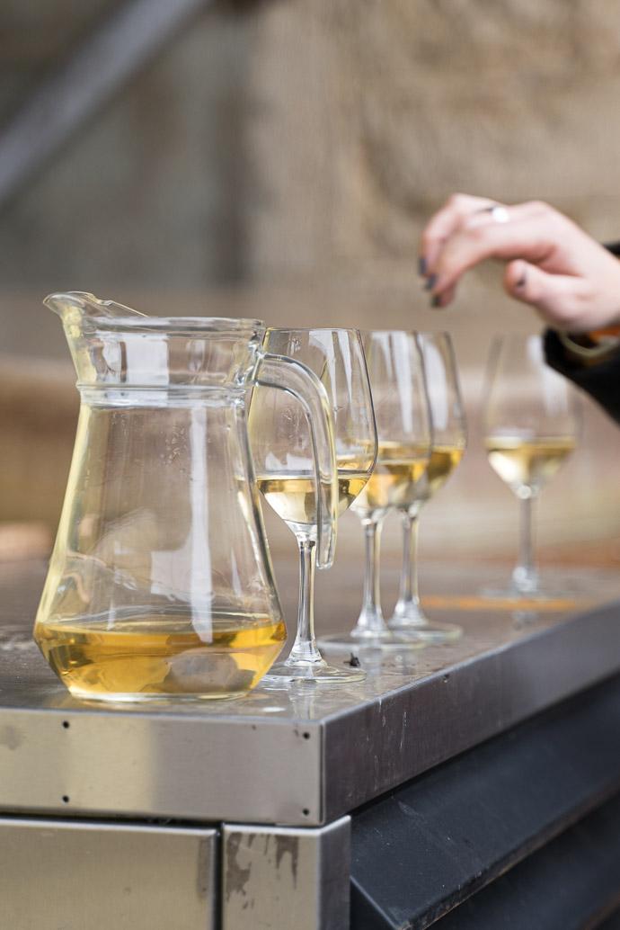 Domaine Thill, vin blanc en dégustation avant embouteillage