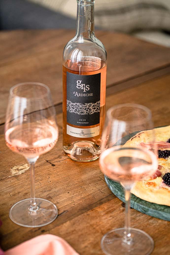 Vin Gris d'Ardèche par les Vignerons Ardechois pour accompagner vos soirées pizzas !