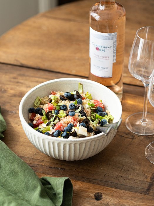 Recette fraîcheur - salade de quinoa, tomates, feta, myrtilles