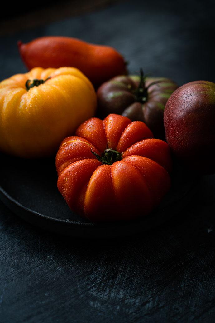 Tomates Marmande - Paysans Rougeline - recette de carpaccio de tomates, basilic, mozzarella et olives