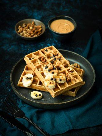 Gaufres sans lactose, au beurre de cacahuètes et noix