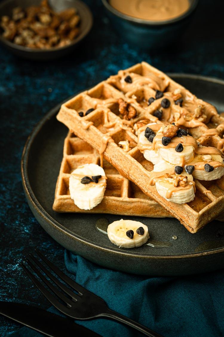 Idée de goûter - les gaufres sans lactose au beurre de cacahuètes et noix