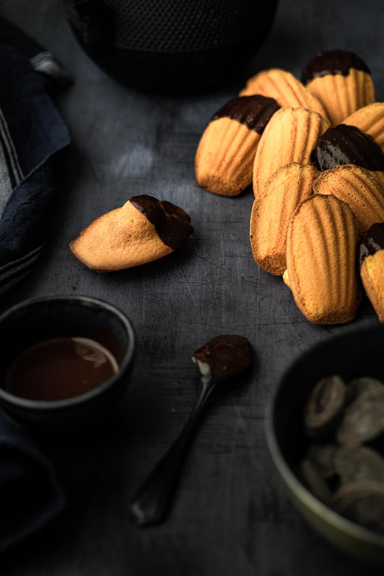 Recette de madeleines sans lactose et coque en chocolat noir - recette facile