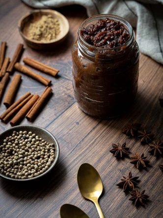 Chutney aux coings & épices - recette sans lactose pour Noël