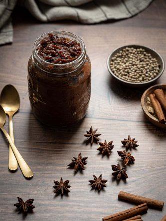 Chutney aux coings & épices - recette sans lactose pour les fêtes