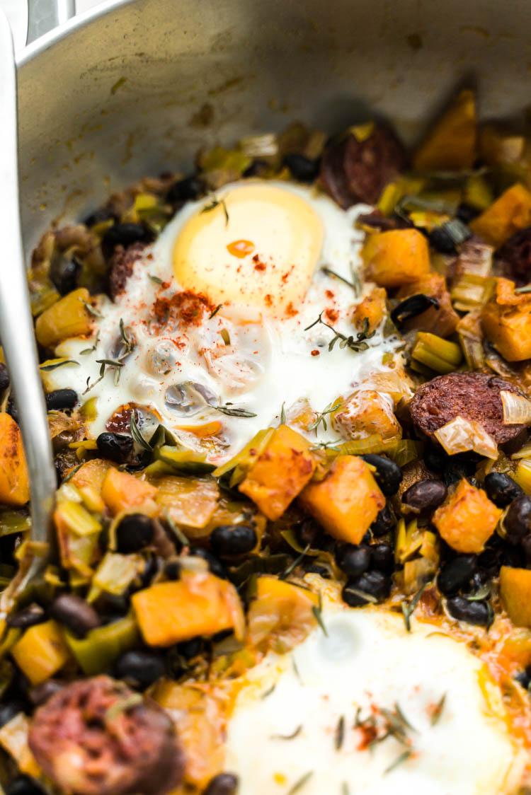 Chakchouka au butternut, chorizo haricots noirs, poireau et chorizo - recette facile et sans lactose