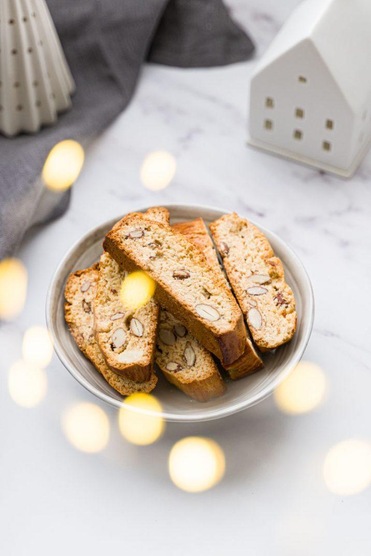 Biscuits de Noël - faire des biscottis aux amandes & miel maison