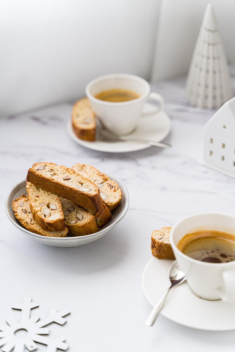 Recette facile & sans lactose de biscottis aux amandes & miel