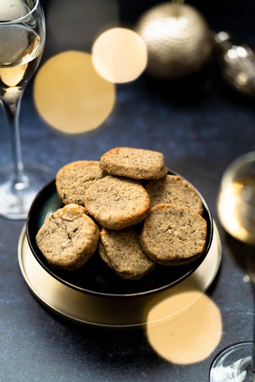 Sablés au fromage pour l'apéritif - Comté et Herbes de Provence pour un maximum de goût.