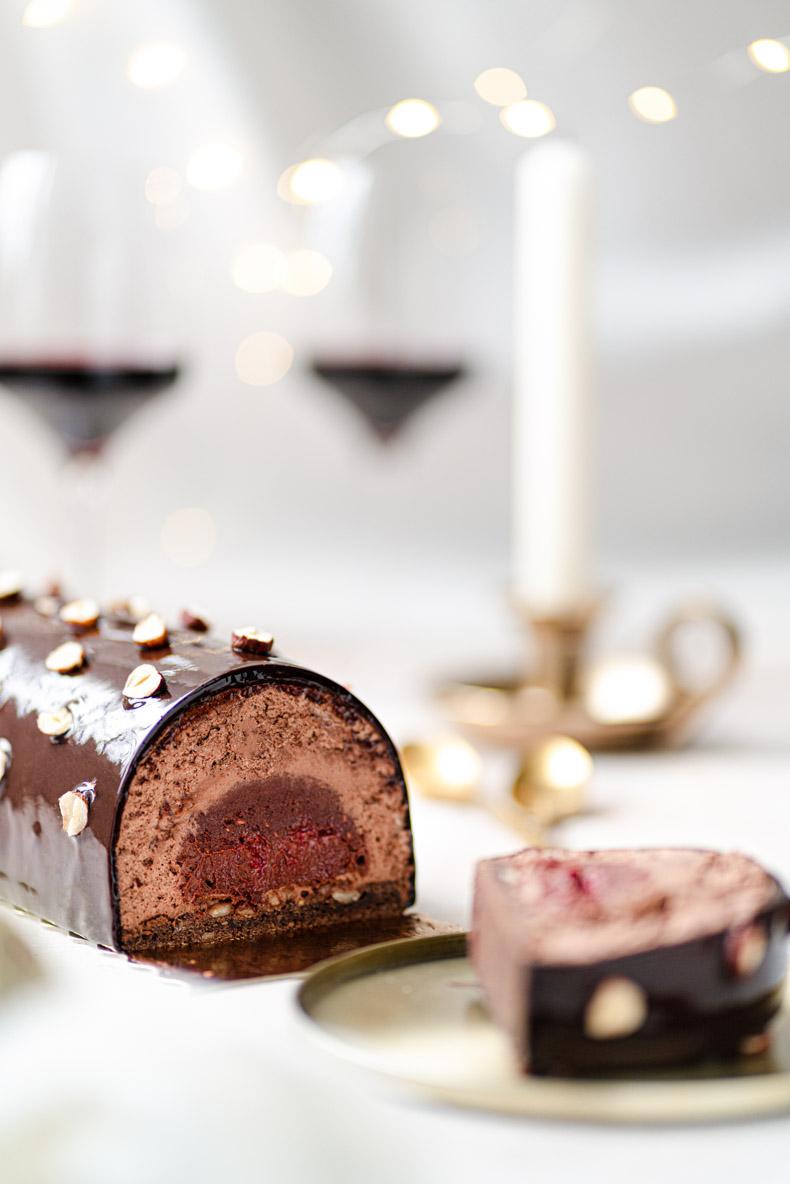 Buche sans lactose à la framboise et au chocolat noir