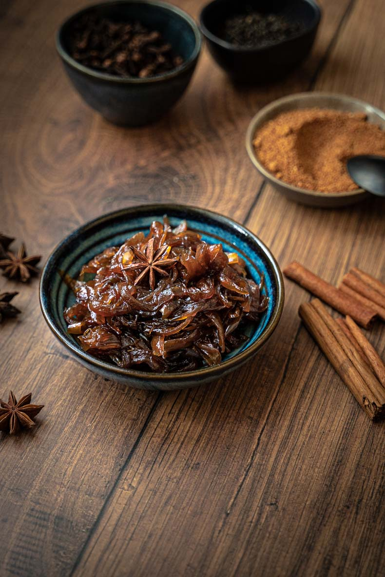 Faire son confit d'oignons aux épices, recette facile et sans lactose ni gluten