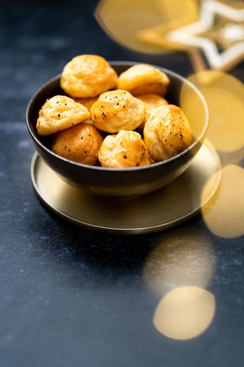 Faire ses gougères au fromage maison - recette festive pour l'apéritif