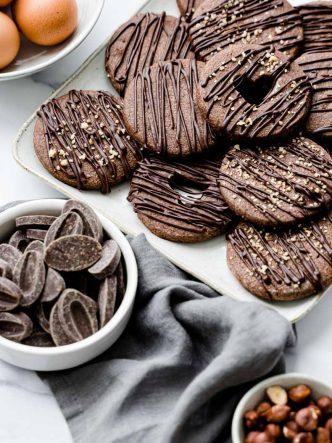 Recette de sablés double chocolat & éclats de noisette - recette sans lactose