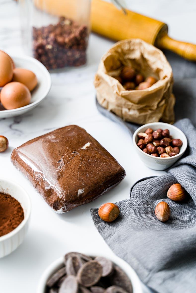 Faire ses sablés au chocolat et aux éclats de noisette, sans beurre ni lait