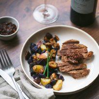 Pavé de rumsteck, duo de pommes de terre et sa sauce réduite au chutney de coings - repas de fêtes