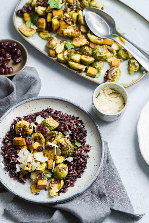 Poêlée de choux de Bruxelles rôtis & tofu à la mangue - accompagnement ou plat complet